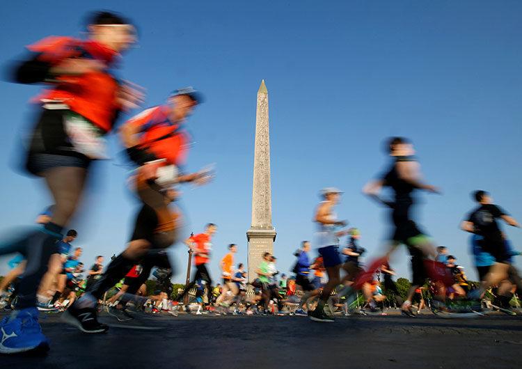 Suspenden la maratón de París mientras los casos de COVID-19 aumentan en Francia