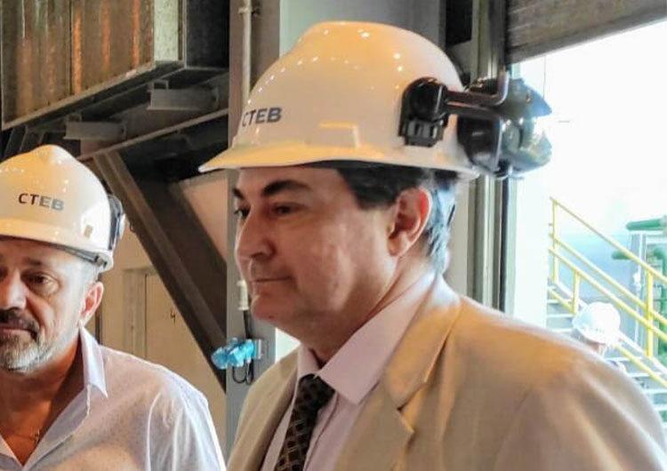 Desplazan al secretario de Energía, Sergio Lanziani