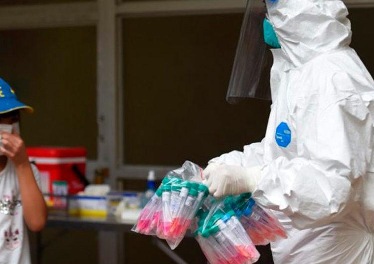 Partículas de COVID pueden flotar hasta 5 metros y provocar contagio