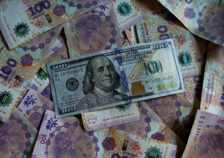 Restricciones cambiarias: según analistas, son un «acta de defunción» para las empresas