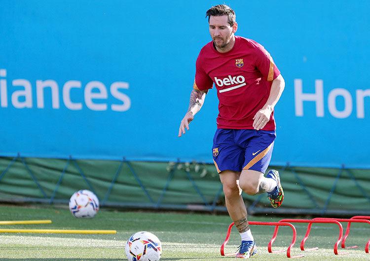 El nuevo D.T Ronald Koeman dice que la noticia de que Messi siga en Barcelona es «fantástica»
