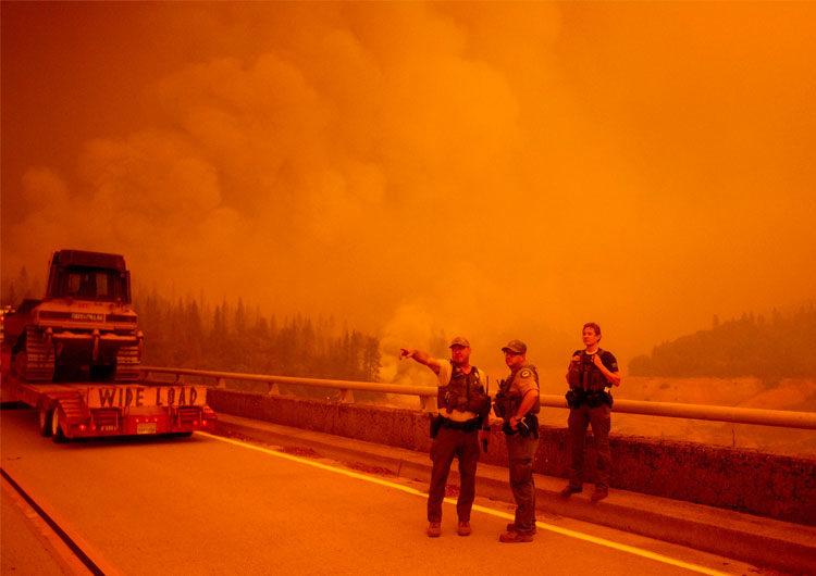 El humo de los incendios forestales de la costa oeste recorre casi 6.500 kilómetros y se ve desde Hawái y Ohio