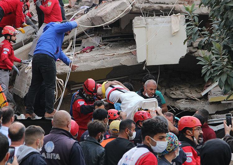 Hubo un tsunami tras el terremoto en Turquía y Grecia, dejando al menos 27 muertos