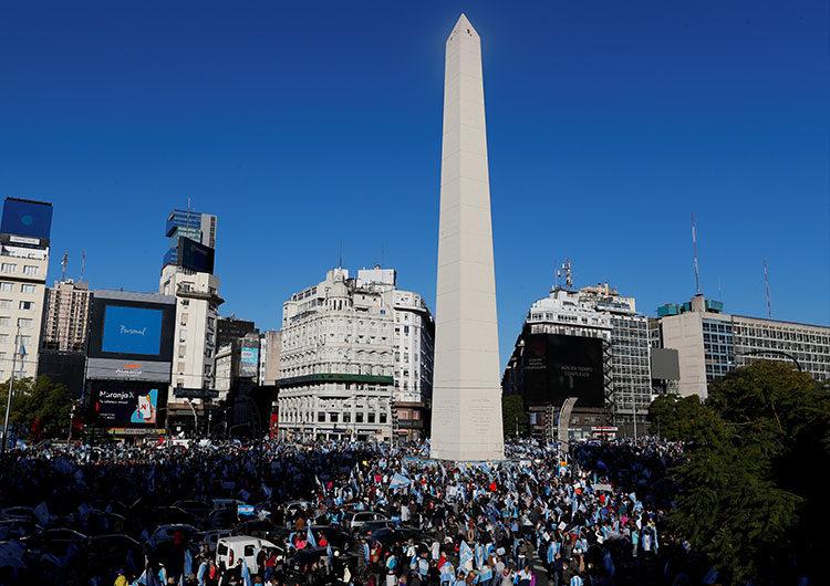 8N: marchas y banderazos en todo el país contra el gobierno