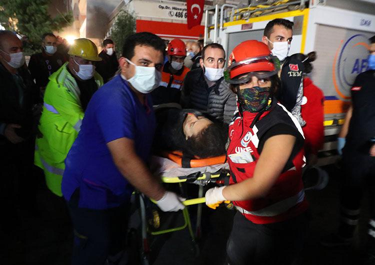 Turquía: 51 muertos tras el terremoto y más de 900 heridos