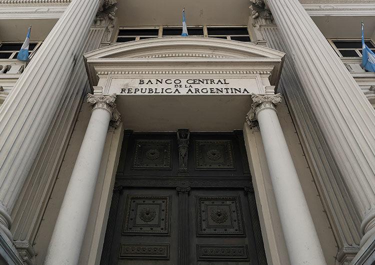 La fuga de reservas pone contra las cuerdas al Banco Central