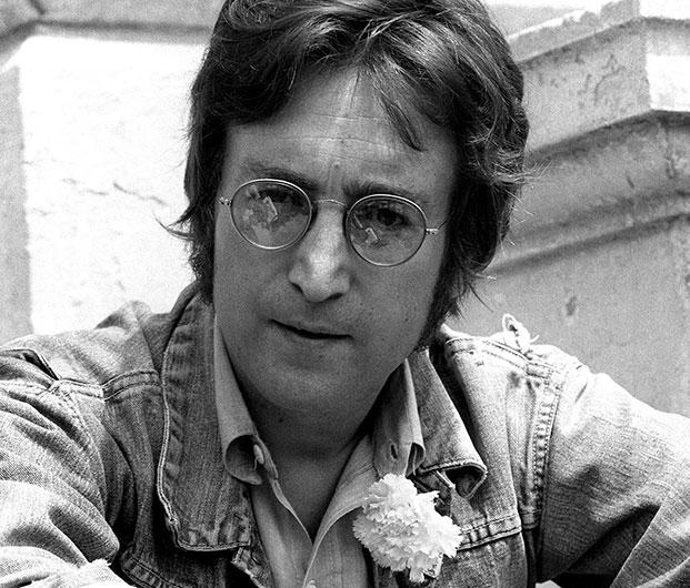 Subastan el disco que John Lennon autografió a su asesino pocas horas antes de morir