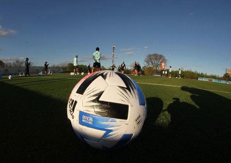 La AFA firmó un convenio con Educación para que futbolistas terminen la enseñanza obligatoria