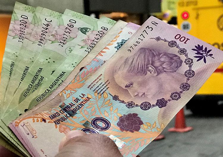 El Banco Central absorbió unos 590 millones de dólares por demanda estacional de pesos