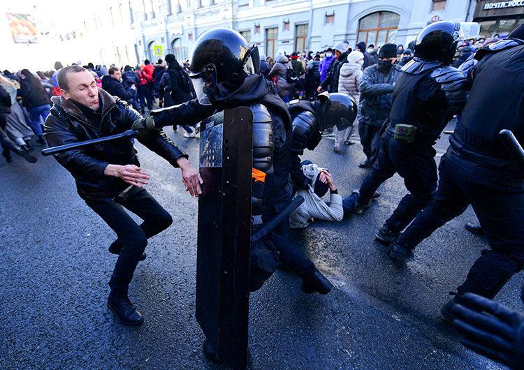 Incidentes en protestas contra Putin, convocadas por el opositor Navalny