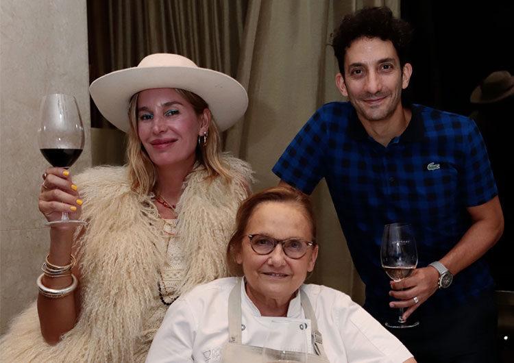 Juan Minujín, Dolores Barreiro y Doli Irigoyen en la noche de HSBC en Costa Galana
