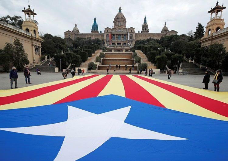 Cataluña: los socialistas sacaron más votos pero empataron en 33 bancas con la izquierda