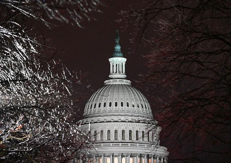 Tras el término del juicio político a Trump, un Washington herido lidia con las divisiones