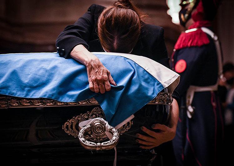 Carlos Menem es velado en el Congreso y hoy será el sepelio en cementerio islámico de San Justo
