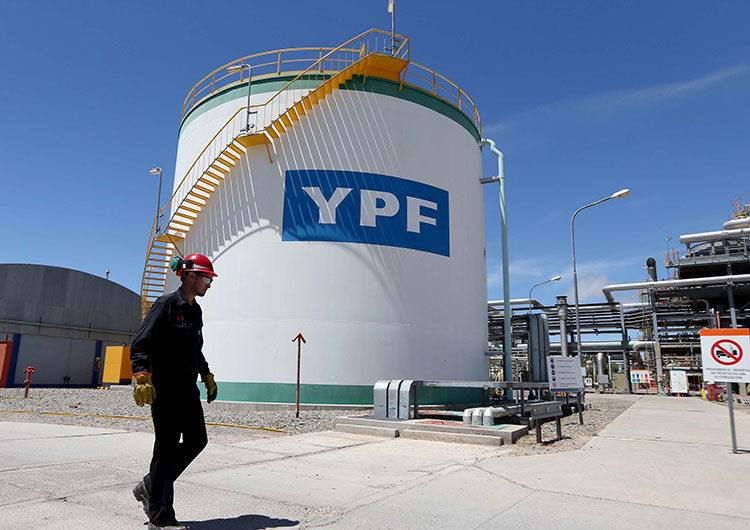 YPF optimizó su propuesta para la refinanciación de su deuda