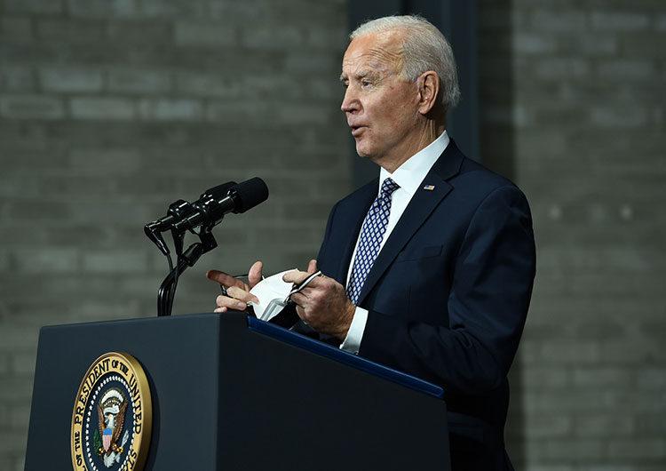 La promesa de salario mínimo de $ 15 de Joe Biden lo enfrenta a las empresas