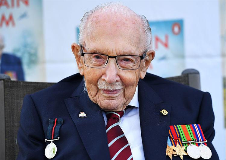 Capitán Tom Moore: recaudó millones para la sanidad pública y fue hospitalizado por Covid