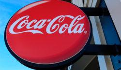 Después de las críticas hacia Coca-Cola, LinkedIn elimina la lección…