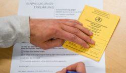 La Unión Europea implementará pasaportes de vacunación contra el COVID-19