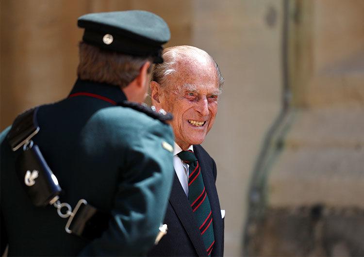Hospitalizan al príncipe Felipe, de 99 años y esposo de la reina Isabel de Inglaterra