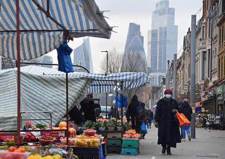La economía británica sufrió una caída récord del 9,9% en 2020