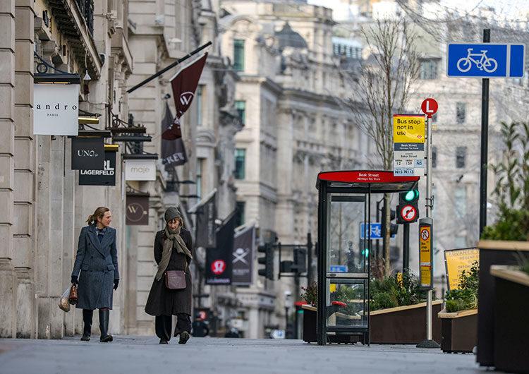 Boris Johnson presenta el lunes la ruta de desconfinamiento en Inglaterra