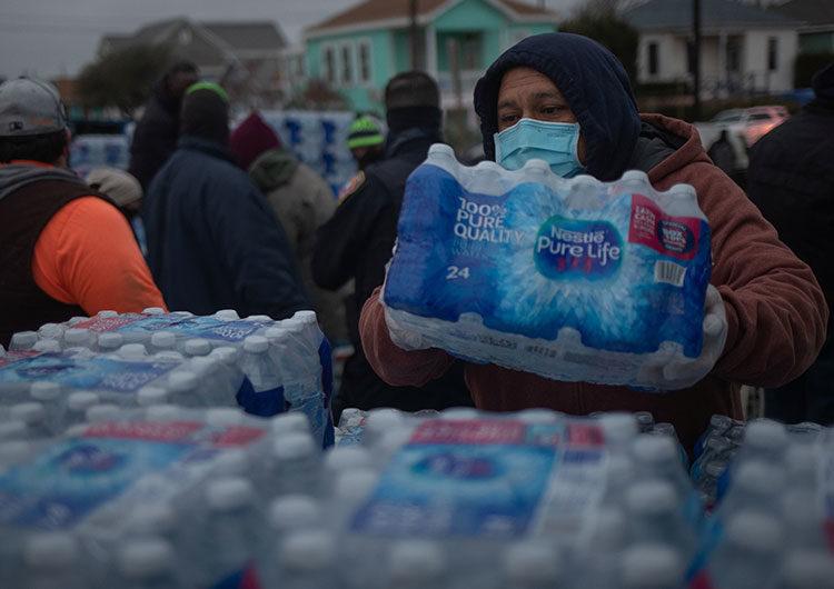 Texas: tras la tormenta, millones siguen sin electricidad y se complica la atención en hospitales