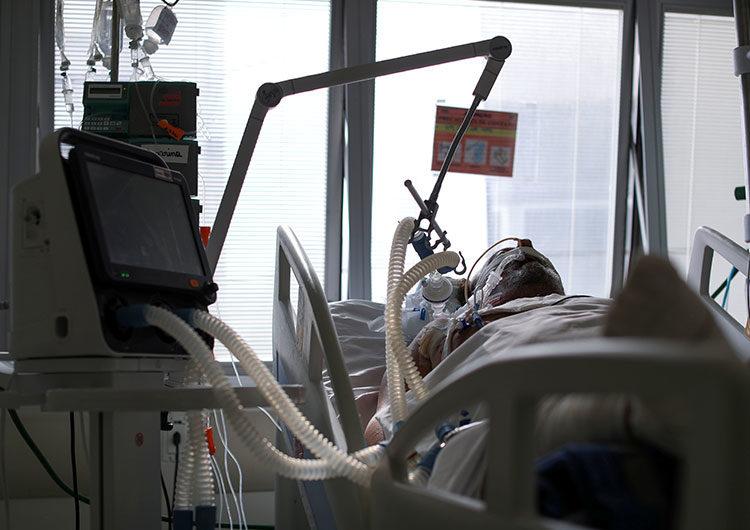 Brasil podría llegar a 400.000 muertos por Covid-19 en mayo, tras superar ayer los 300.000