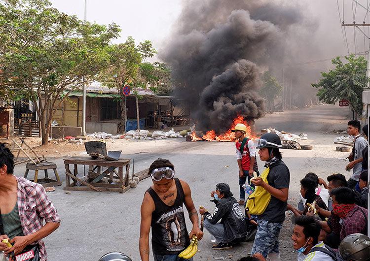 Sanciones de UE y EEUU aumentan presión sobre militares de Myanmar tras golpe