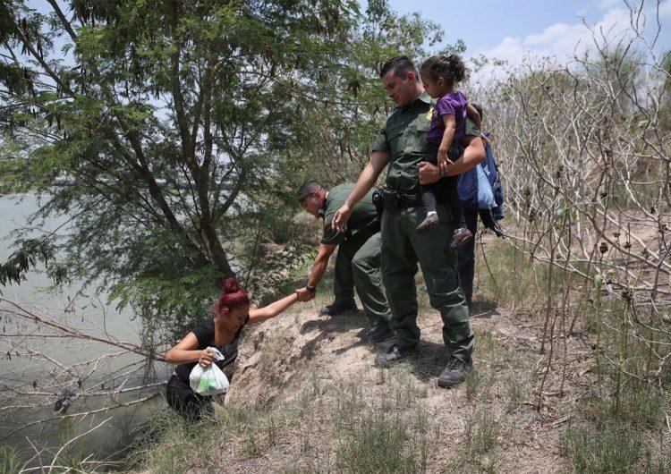 Frontera EEUU-México: los niños inmigrantes solitarios aumentan las ganancias de los cárteles