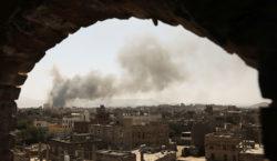 La coalición liderada por Arabia Saudita bombardeó objetivos hutíes en…