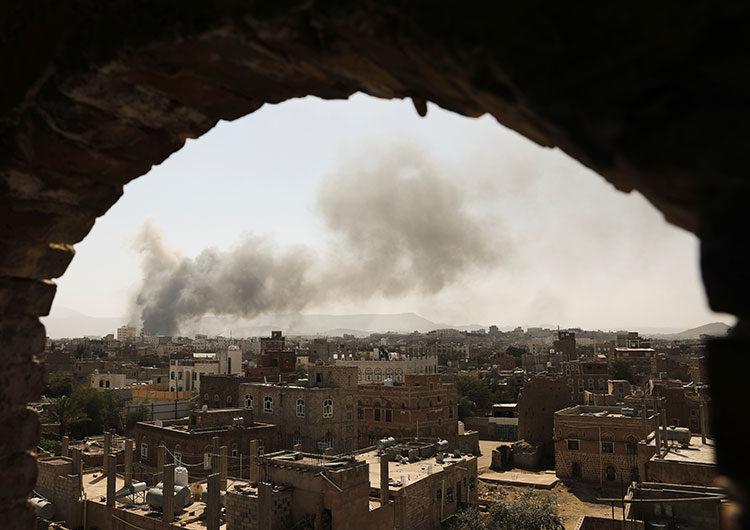 La coalición liderada por Arabia Saudita bombardeó objetivos hutíes en Yemen