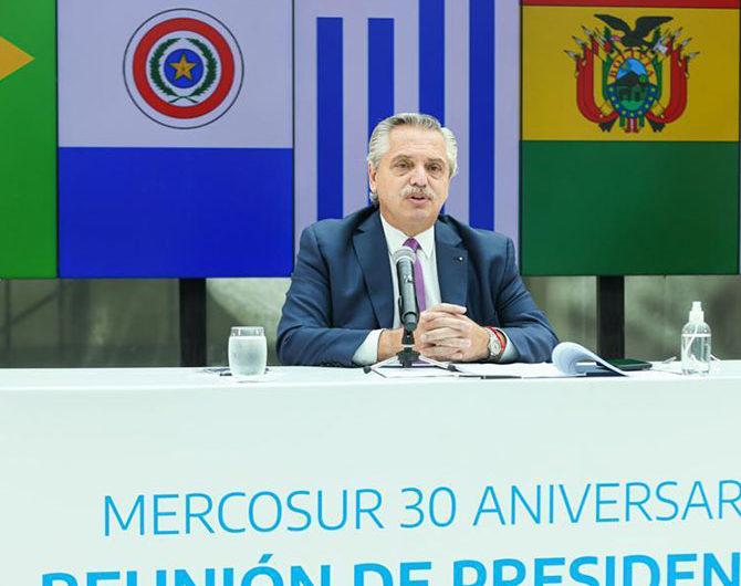 """""""Si somos un lastre, tomen otro barco"""": Alberto a Lacalle Pou en discusión por el Mercosur"""