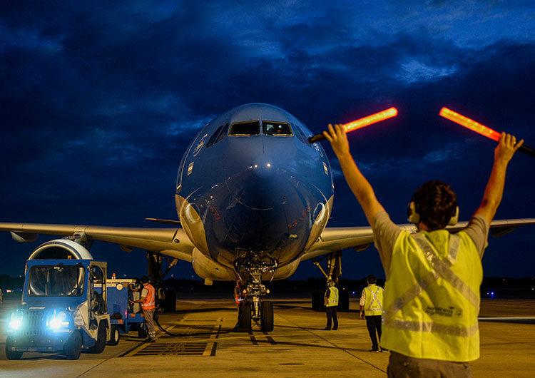 Partió esta madrugada a Moscú el octavo vuelo de Aerolíneas Argentinas para traer más vacunas