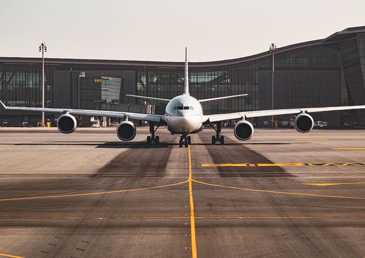 Nuevas cepas: suspenderán desde mañana los vuelos de Brasil, Chile y México