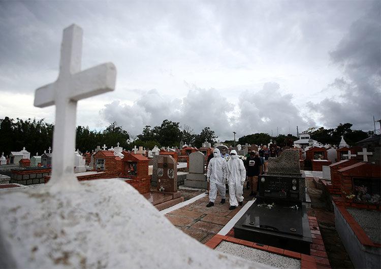 Récord: Brasil registró 1.972 muertes por COVID-19 en un día