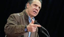 Una tercera mujer acusa a Andrew Cuomo, gobernador de Nueva…
