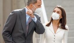 España: «Felipe y Letizia se vacunarán cuando les toque», aseguró…