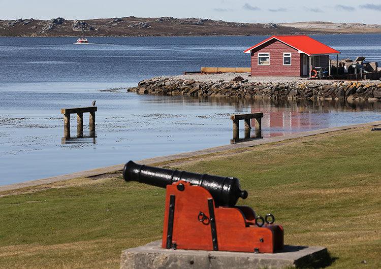 Malvinas: Reino Unido anunció un aumento en su arsenal nuclear y ratificó su presencia militar