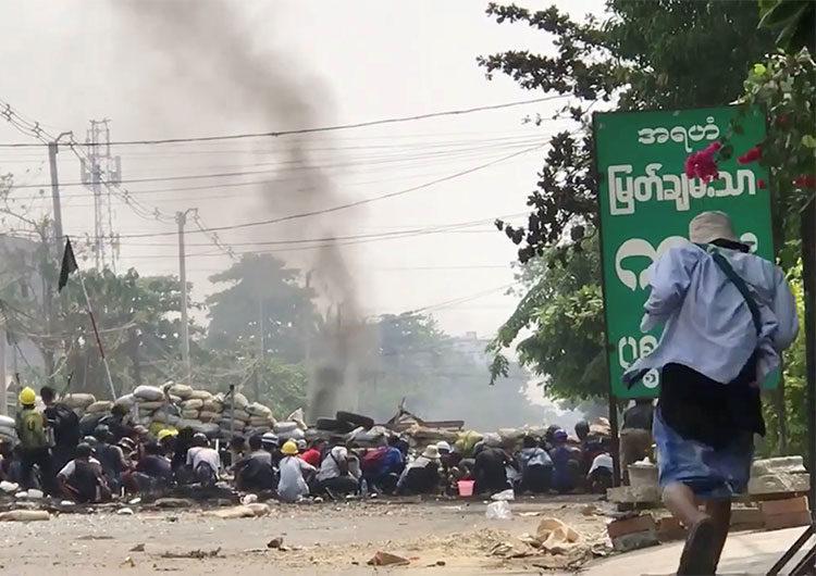 Manifestantes de Myanmar lanzan «huelga de la basura» y los muertos por represión superan los 500