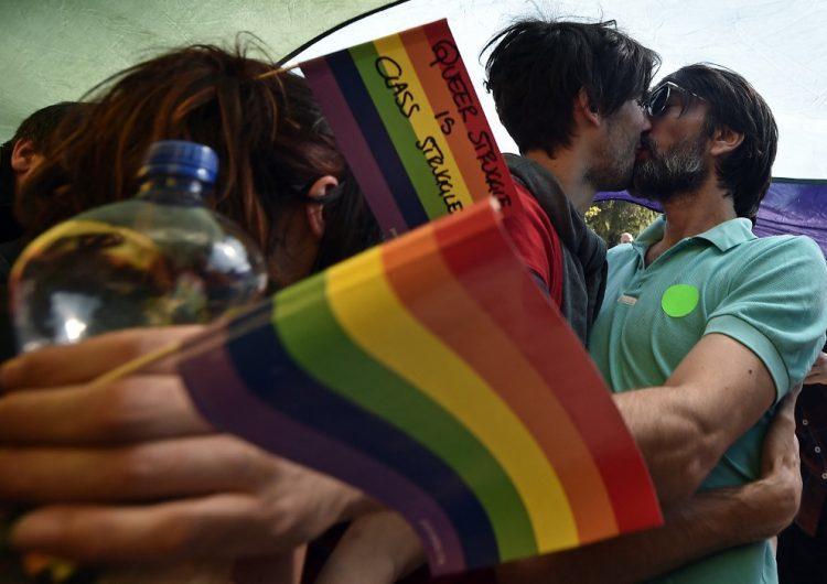 Polonia prohibirá que las personas homosexuales adopten hijos