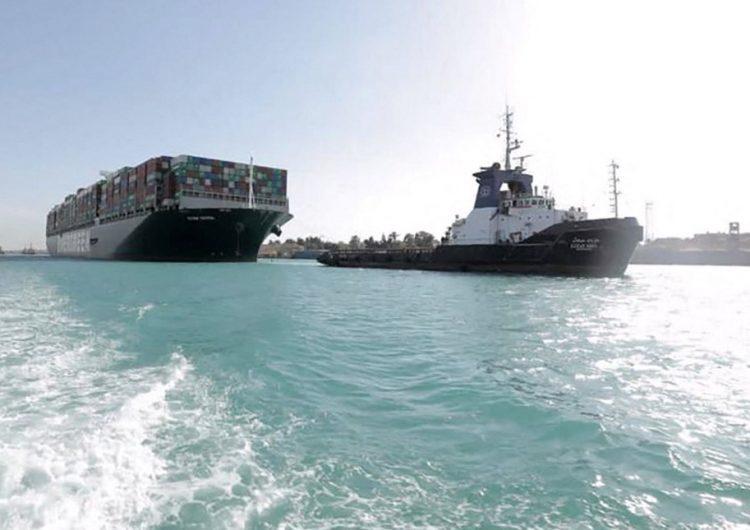 Se reanuda el tráfico en el Canal de Suez