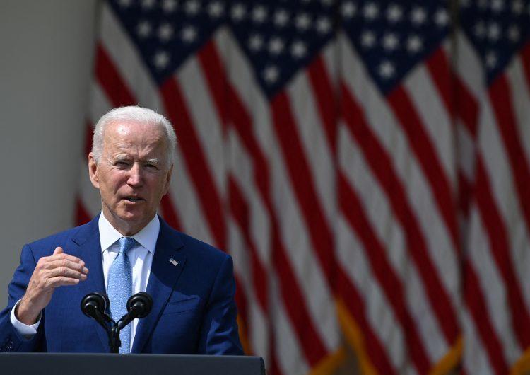 Biden pide prohibir que particulares tengan armas de fuego debido a la alta violencia