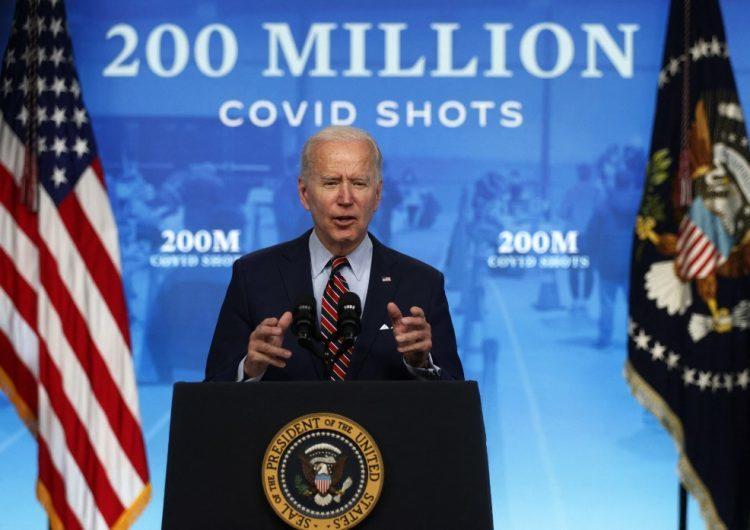Estados Unidos logra aplicar 200 millones de dosis de vacunas anticovid-19