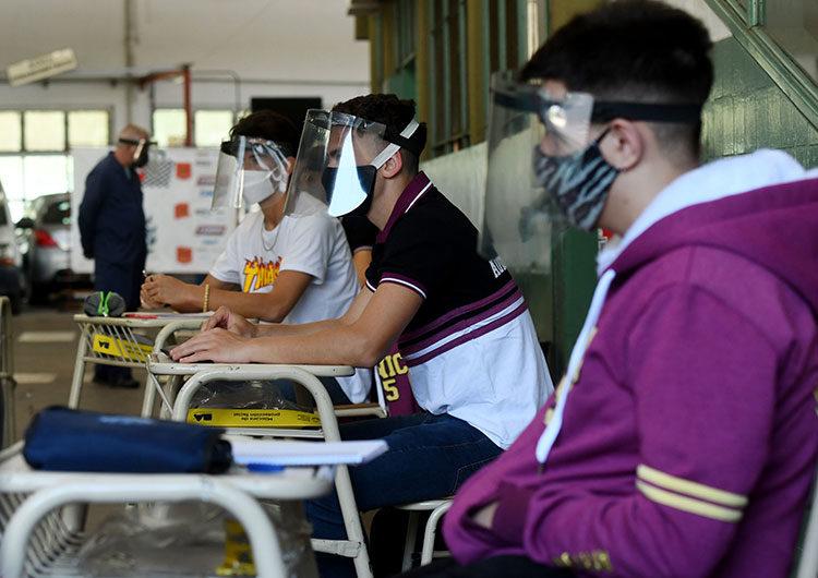 Gremio docente bonaerense pide suspender las clases presenciales en «zonas de extremo riesgo»