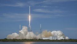 Despegó la tercera misión tripulada de Space X hacia la…
