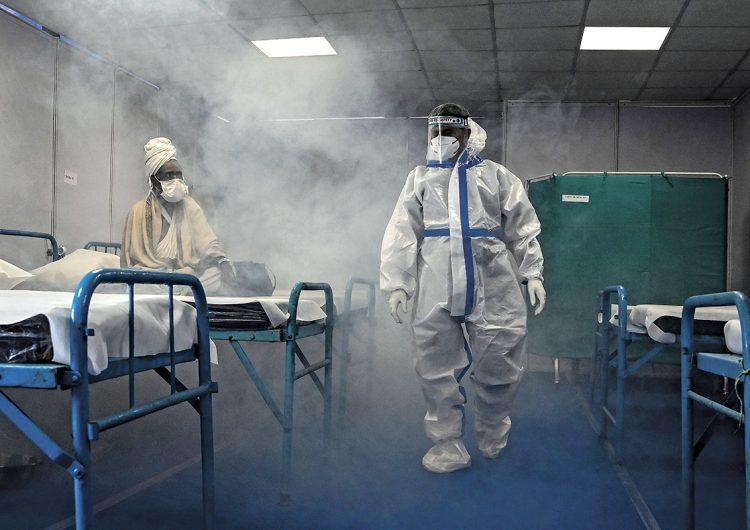 India bate récord mundial con 315.000 casos diarios de Covid-19 y sus hospitales sin oxígeno
