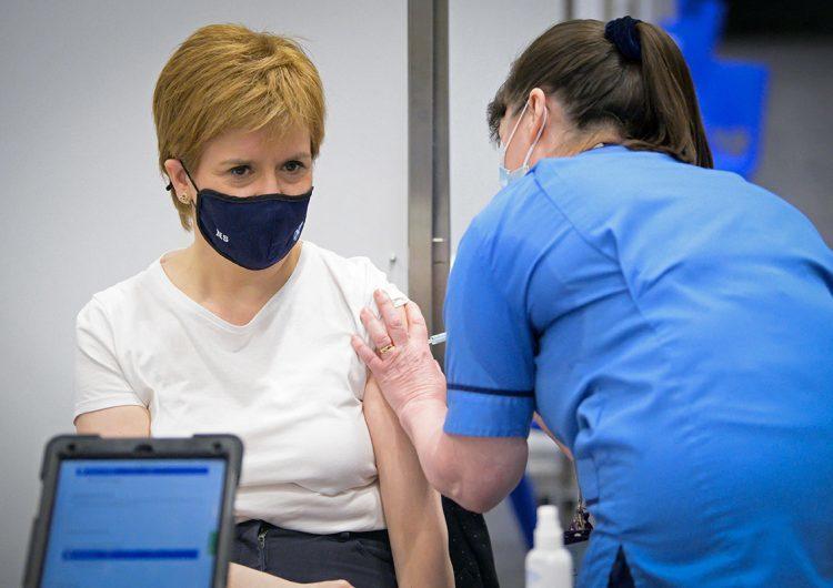 El Reino Unido registra 32 decesos por coágulos tras aplicar 21 millones de vacunas AstraZeneca