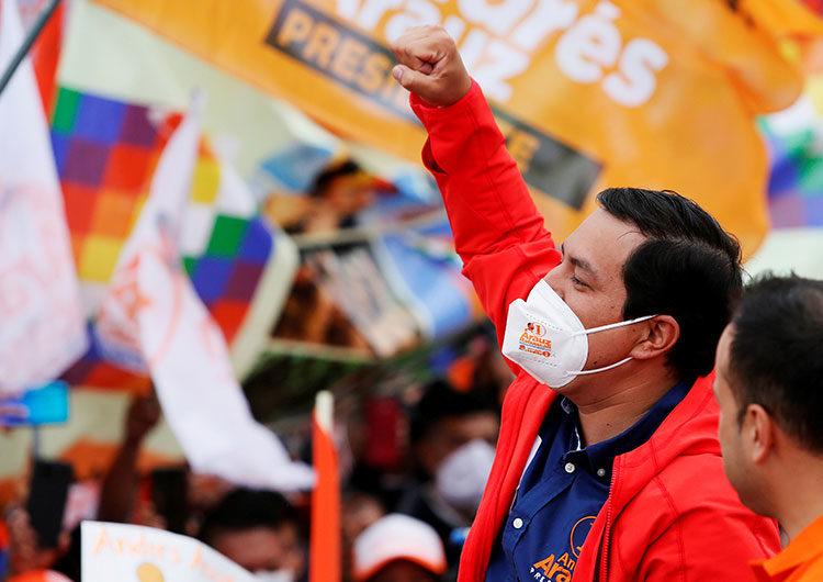 Ecuador elige presidente en cerrado duelo entre el correísmo y la derecha