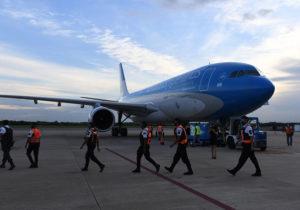 Parte un nuevo vuelo de Aerolíneas Argentinas hacia Moscú en busca vacunas Sputnik V